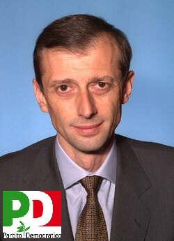 Il primo segretario del PDRT Piero Fassino