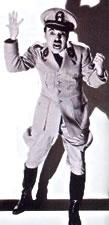 """Charlie Chaplin em """"O Grande Ditador"""""""